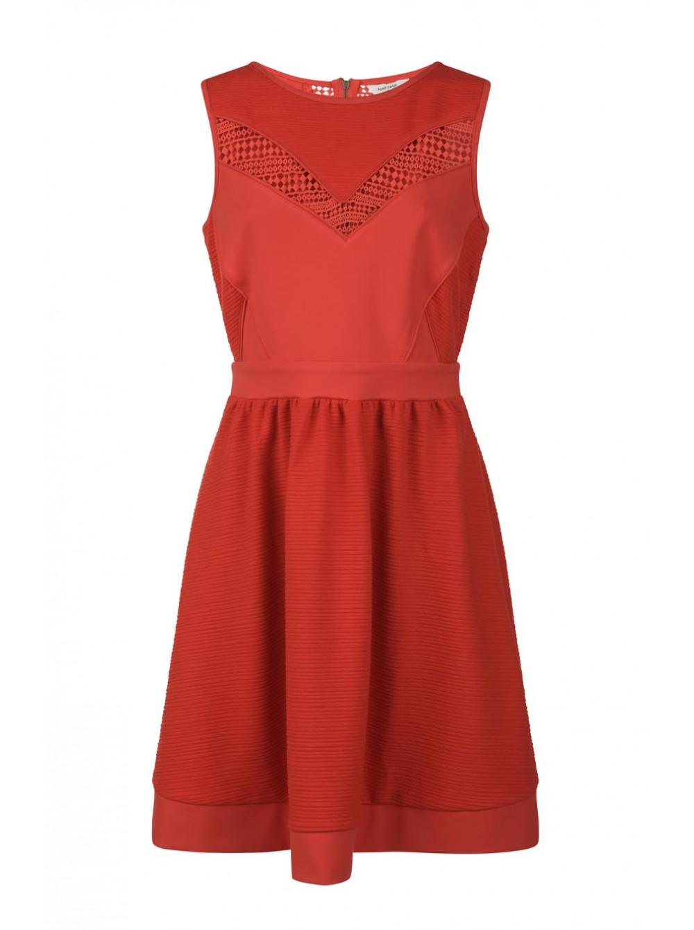Une robe aux multiples facettes